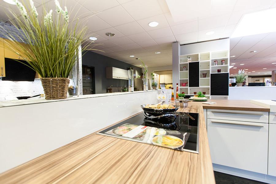 Küchenausstellung in schwentinental alle marken küchen küchengeräte küchenzubehör